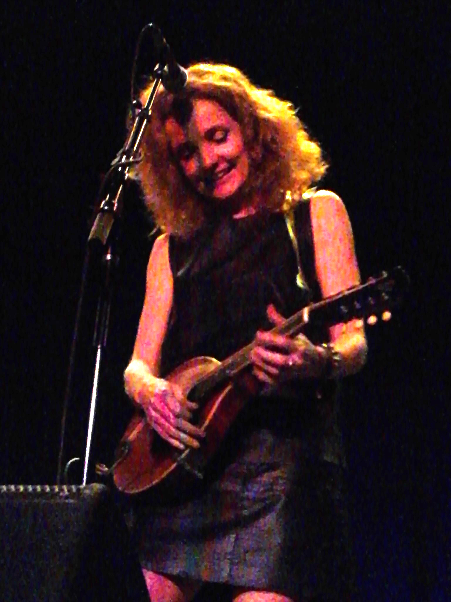 Patty Griffin playing Mandelin